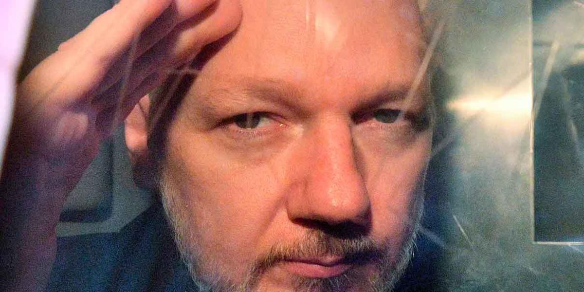 Quién es Julian Assange, ¿el nuevo distractor en Palacio?