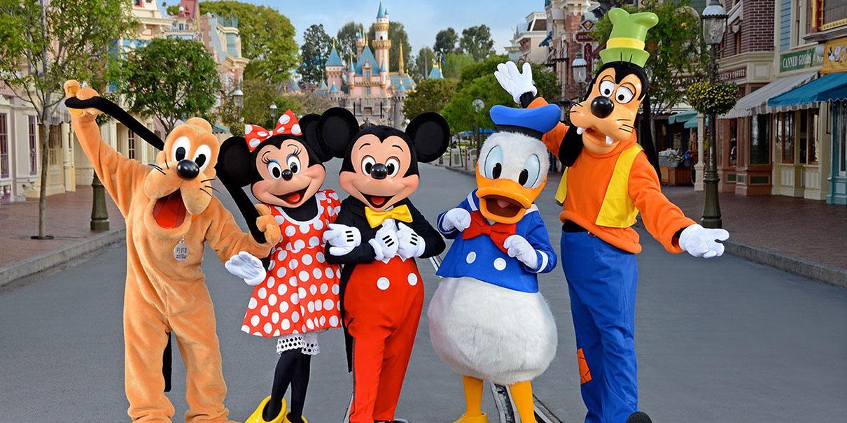 Covid-19: Disneyland será un centro de vacunación