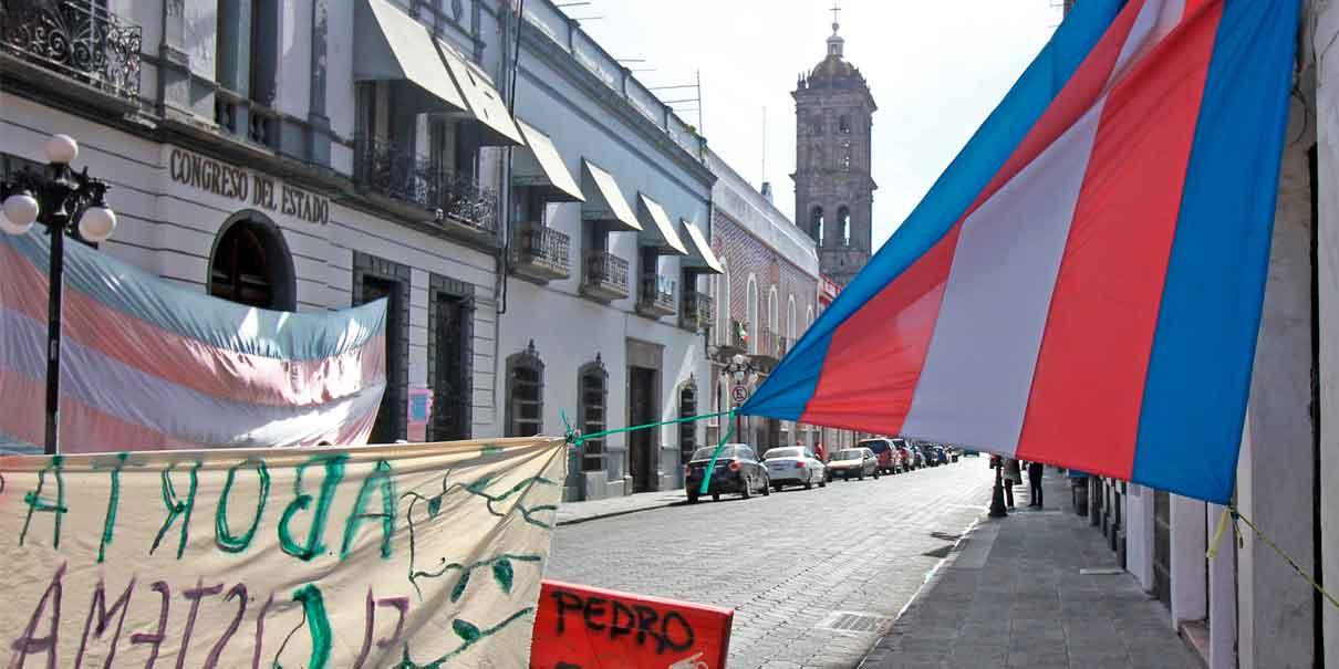 Aborto en Puebla, diputados sin palabra; feministas arrancan movilización virtual