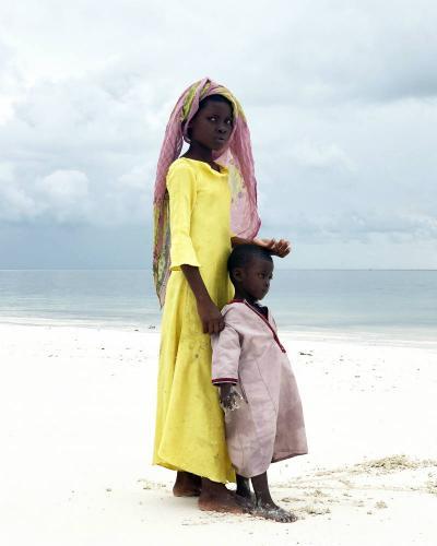 """""""Big Sister"""", tomada en Zanzíbar, Tanzania, con un iPhone X.  Gabriella Cigliano (Italia)"""