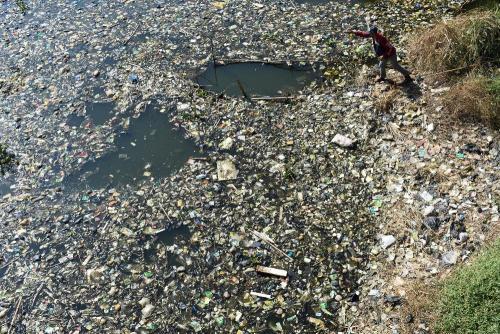 El río Citarum está ubicado en la región del Occidente de Java, Indonesia y es uno de los mas contaminados del mundo. Foto: AFP