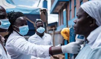 Vacuna AstraZeneca NO SIRVE contra la variante Sudafricana de Covid