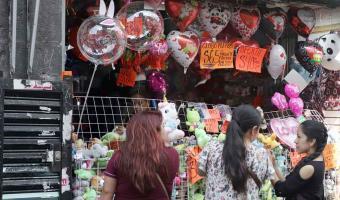 Comerciantes esperan que los enamorados compren este 14 de febrero