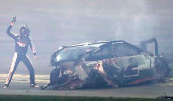 Carrera de la NASCAR termino con dramático accidente