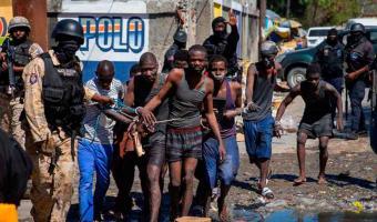 Escapan más de 200 reos de una prisión en Haití