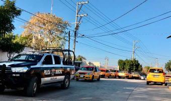 Trabajadores de CFE por adeudo cortan servicio de luz en CDC en Acatlán de Osorio