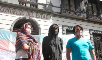 Feministas de Puebla debatirán tema del aborto con Senadores