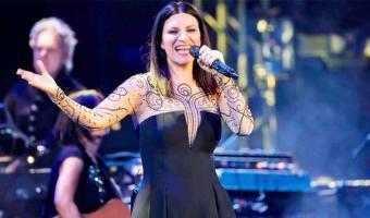 """Una de las reacciones que se llevó la noche fue la de la cantante italiana Laura Pausini, quien fuese nominada a su primer globo de oro por la canción """"Io Sì""""."""