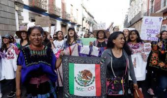 Prudencia y respeto, pidió Barbosa a mujeres durante manifestaciones